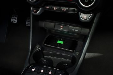 kia_picanto_my21_detail_wireless_phone_charger_1